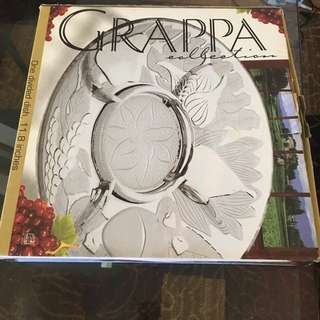 Grapa Divided Dish
