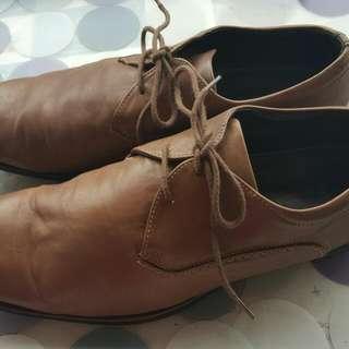 駝色羊皮 CLARKS 男鞋
