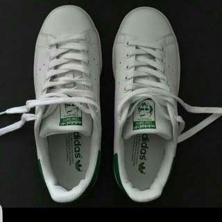 Used: Adidas Stans Smith sz Eur 39