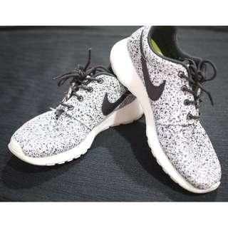 [Installment] Authentic Nike Roshe Run