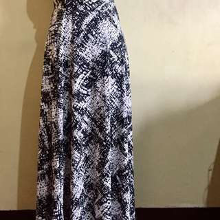 Black_white Maxi Skirt