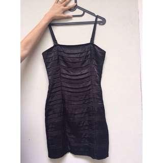 Carvieno Black Dress