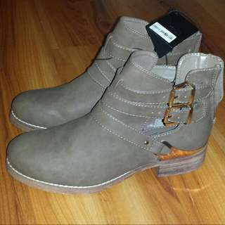Forever 21 boots (Rugged Vintage Look) - Taupe Brown
