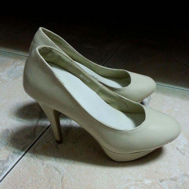 白色高跟鞋  37號(23.5)