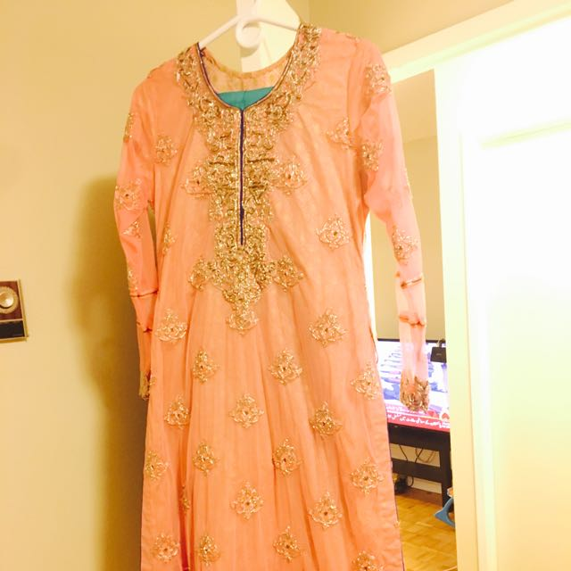 Asim Jofa Orignal Suit.. Medium Size Brand New...
