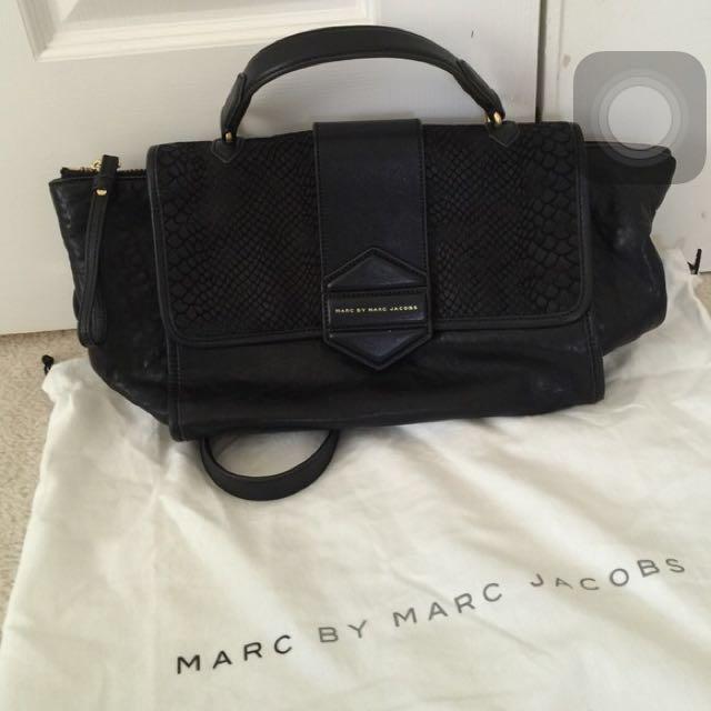 ffdff46224 Black Marc Jacobs Sling Bag