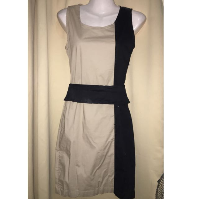 BNWT Space Beige And Black Dress With Removable Pleated Belt