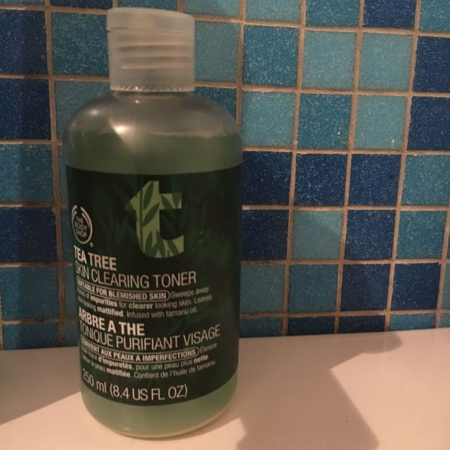 Body Shop Tea Tree Skin Clearing Toner