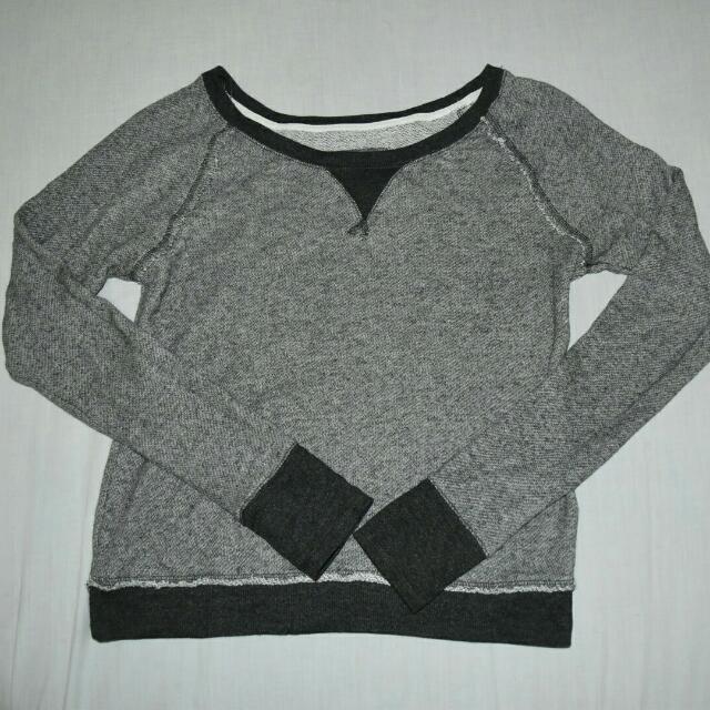 Gray PullOver M/L