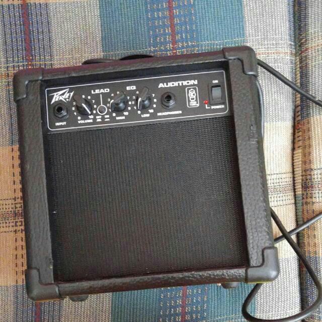 GUITAR Amplifier (Peavey Audition Amp)