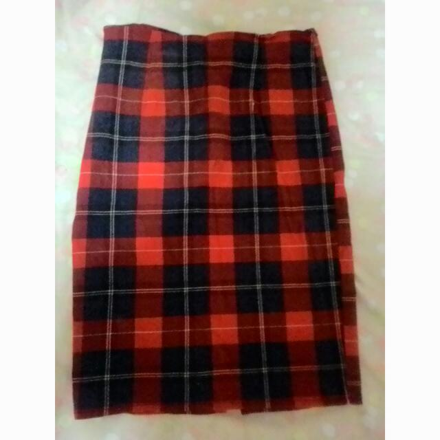 Plaid Pencil Cut Skirt