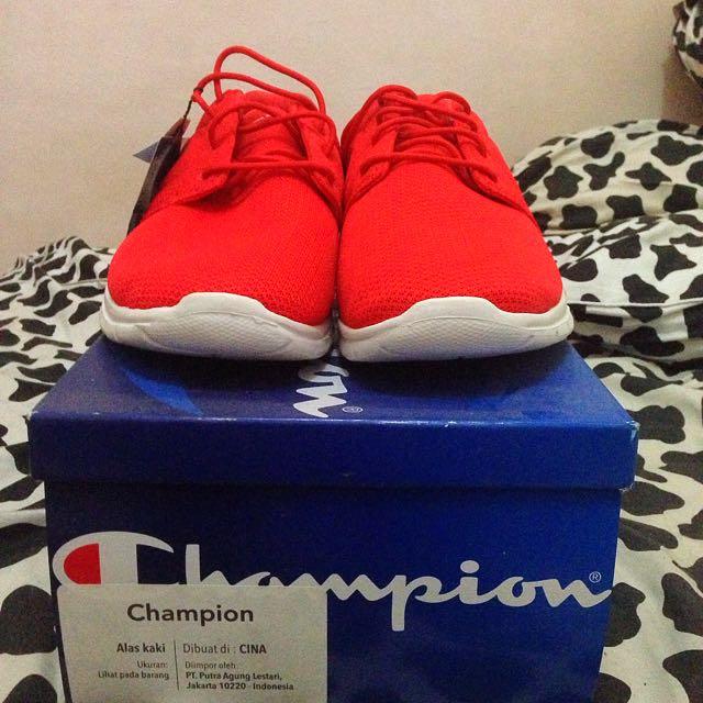 Sepatu Running / Casual Champion