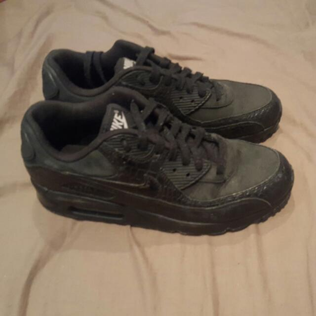 Womans Nike Air Max size 8
