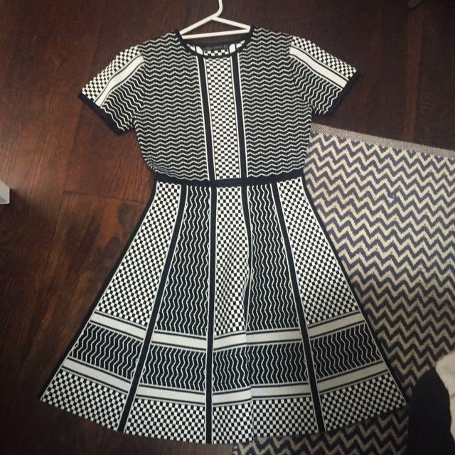 Zara Knitted Dress Size Small