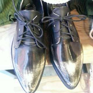 尖頭復古福樂鞋