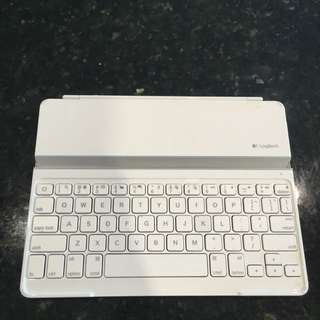 Logitech Keyboard For IPad bluetooth White