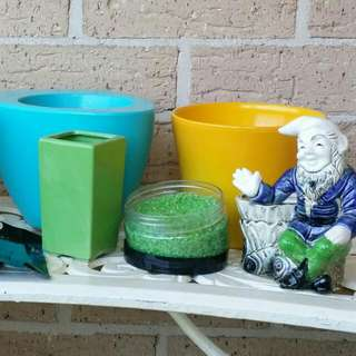 SOLD ELSEWHERE- 6x Small Plant Pots And Accessories