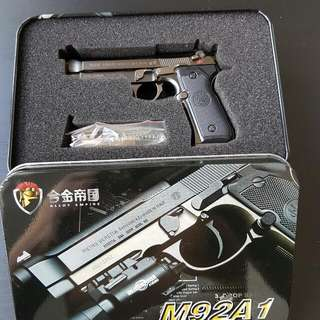 1:6 Beretta 92 A1 Collectibles