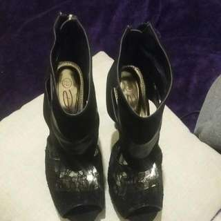 Black Stilleto Size 7