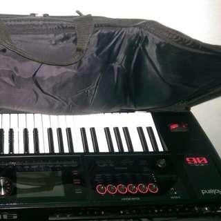Roland Fa 06 Synthesizer