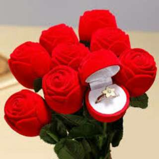 Red Rosebud Jewellery/Ring Box