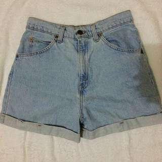 Levis Maong Highwaist Shorts