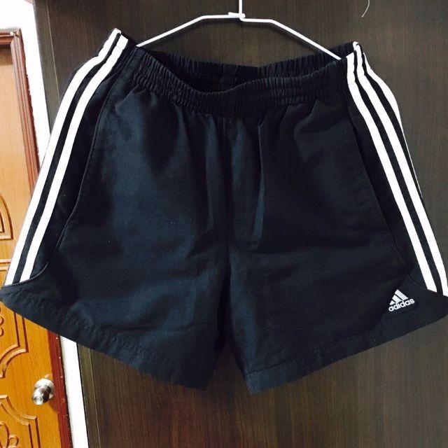 愛迪達 休閒運動短褲 M 號