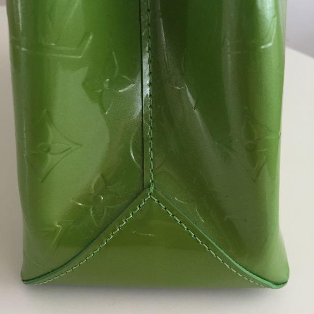 PRICE DROP! Auth LV Wilshire Boulevard PM Handbag Vernis Leather Green M93645