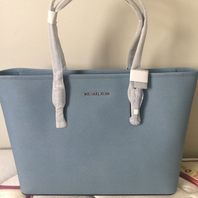 AUTHENTIC MICHAEL KORS BAG RRP: $489 SELLING FOR $300 OR MAKE AN OFFER