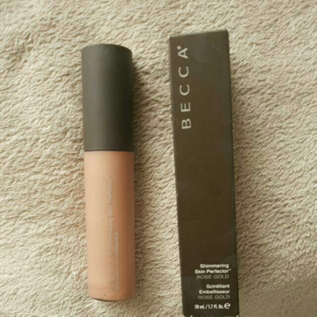 Becca Shimmering Skin Perfector- Rose Gold