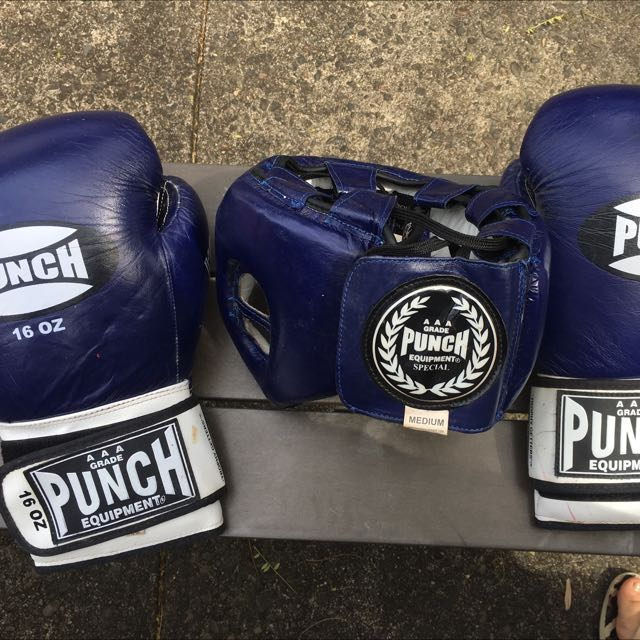 Boxe Gloves And Head Guard