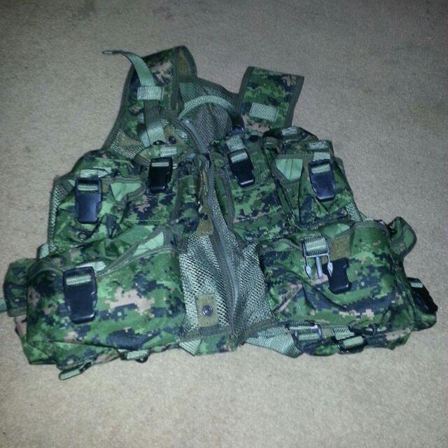 Canadian Army TAC Vest
