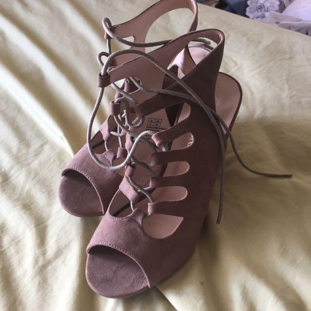 Cute Shoes Size 8