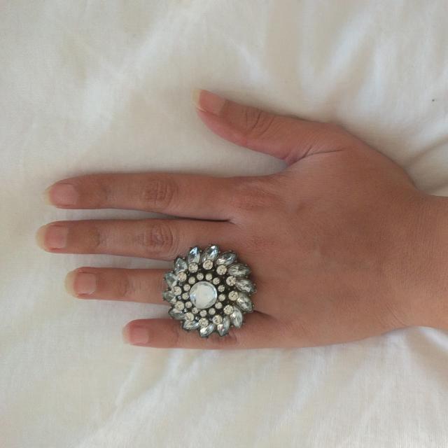Forever 21 Flower Diamond Ring