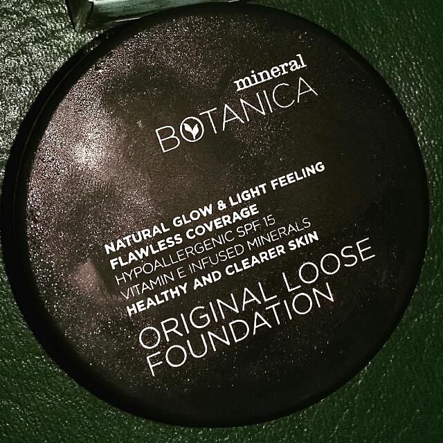 Mineral Botanica Loose Powder