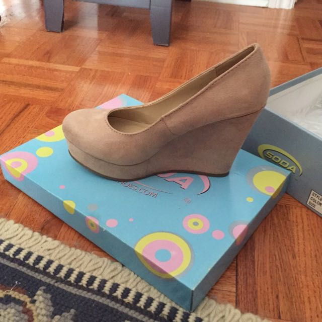 Nude Wedges Size 7.5