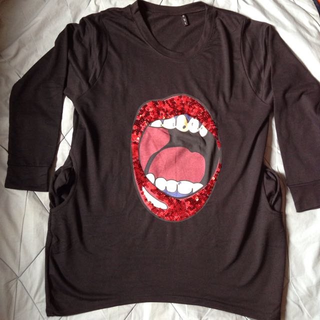 Preloved Mouth 👄 Sweater