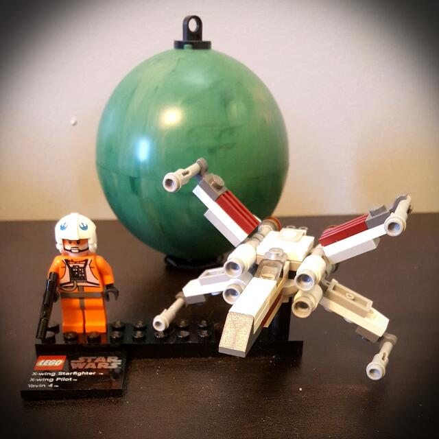 Retired Lego Star Wars Mini Vehicles and Planets with Minifigs (9674, 9675, 9677, and 9678)