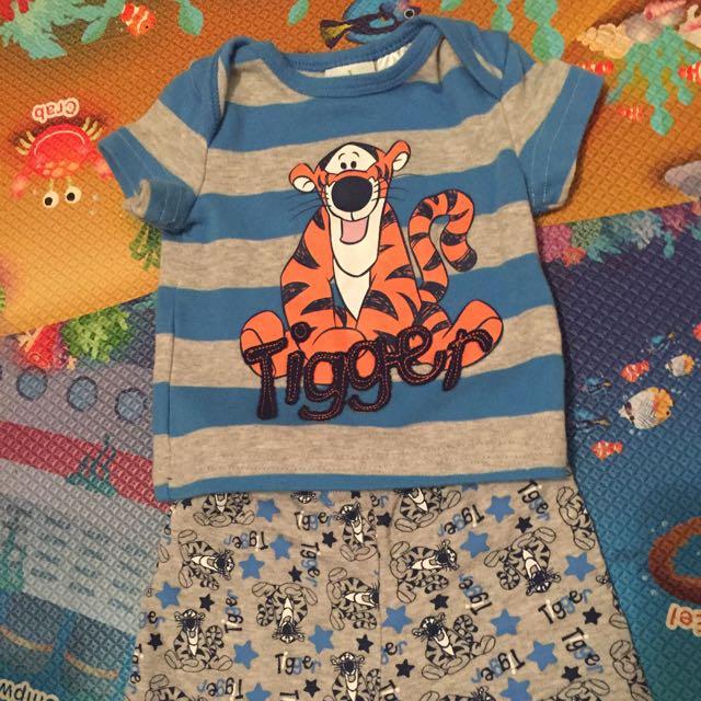 Tigger Tshirt & Pants Size 00 3-6 Months