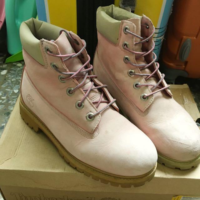 Timberland 粉色靴