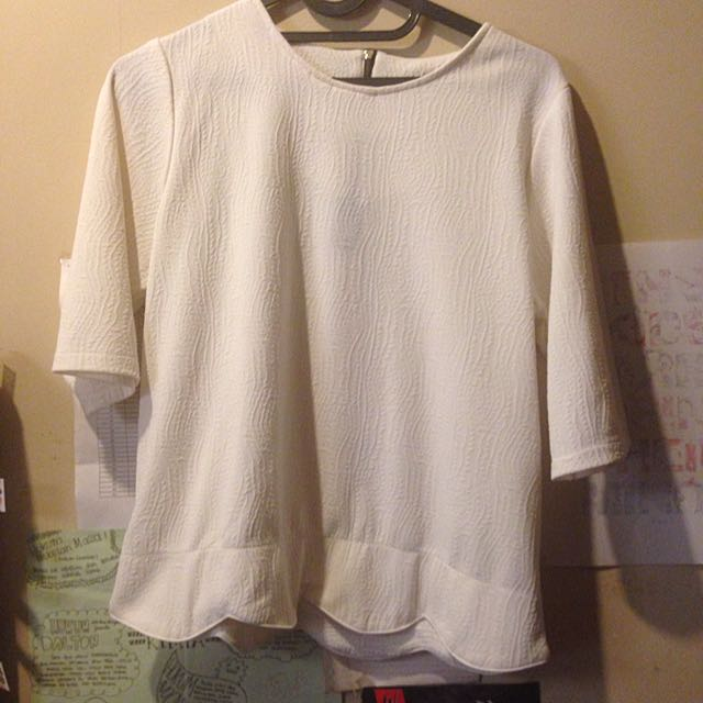 White Top Blouse Embroidy