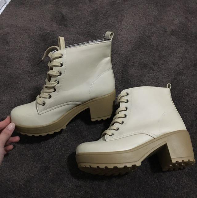 Women Beige Lace Up Boots