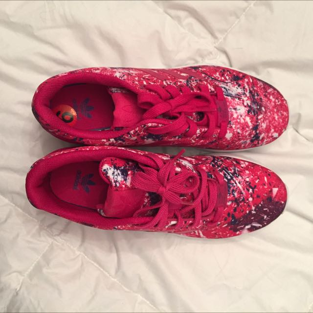 Women's sz6 Adidas Torsion with Pink, Blue And White Print