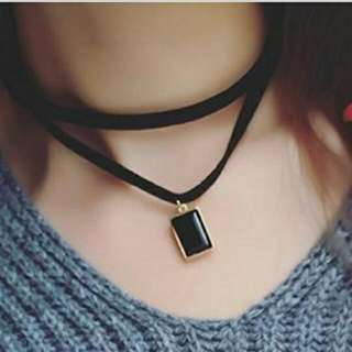 Choker With Stone Pendant