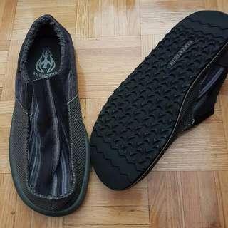 NEW Mens Skechers