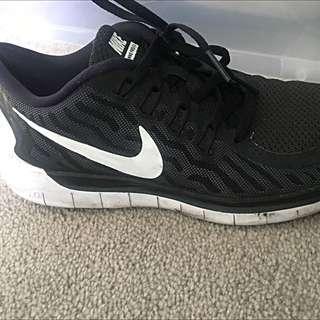 Nike Free Runners