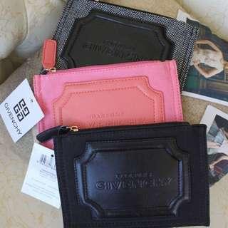 紀梵希 化妝包 質感黑 現貨 Givenchy 名牌包 手拿包