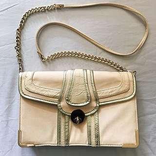 FOREVER NEW Shoulder Bag
