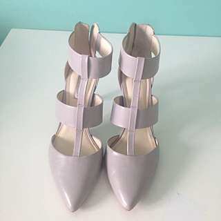 BCBG grey pointy heels