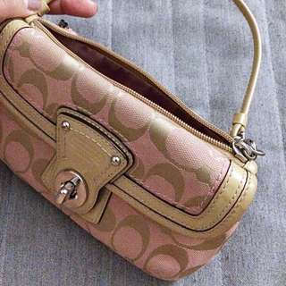 (Firm) COACH wristlet in Beige/Pink